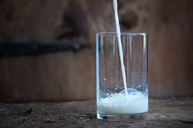 benefits-of-drinking-milk-at-night